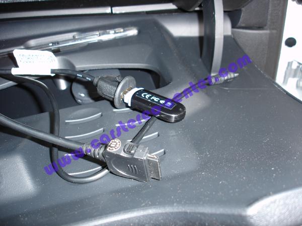 Peugeot 208 con porta usb iphone ed aux - Porta cd auto simpatici ...