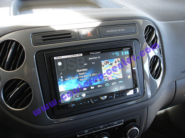 vw tiguan con pioneer avh x5500bt e cavi iphone 5. Black Bedroom Furniture Sets. Home Design Ideas