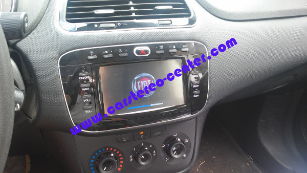 Custom Fit Phonocar VM095