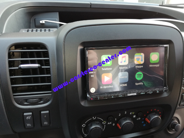 CarPlay su Opel Vivaro