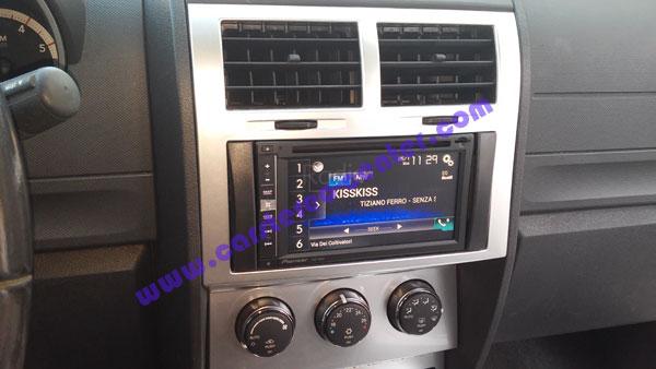 nuovo aspetto comprare in vendita Navigatore Pioneer AVIC-F860BT con CarPlay su Dodge Nitro